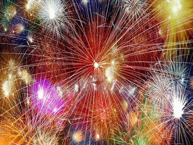 fireworks-2248223_640_R